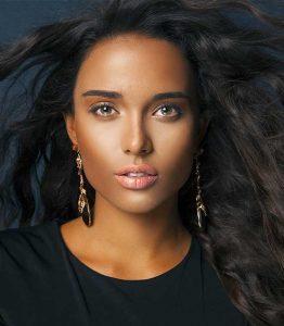Makeup tips for dark hair